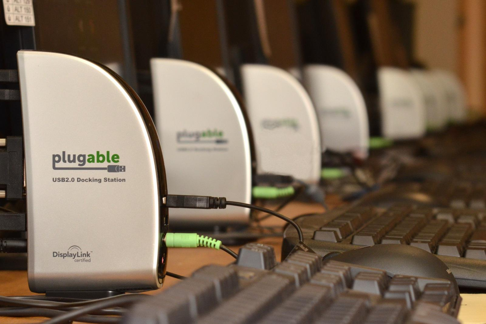 Plugable Multiseat docking stations at the French Immersion School of Washington