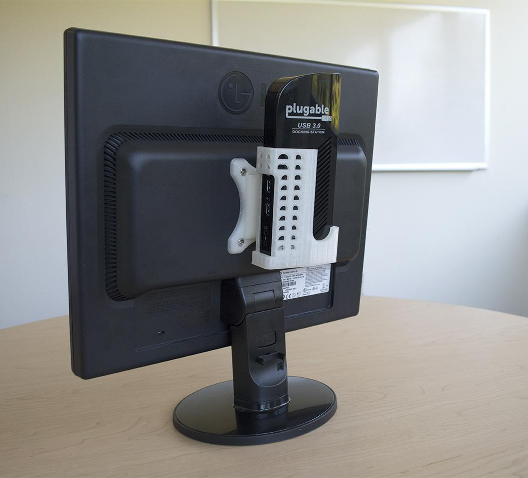 Plugable UD-3900 attached to the back of a monitor using our 3D-printed VESA mounted stand