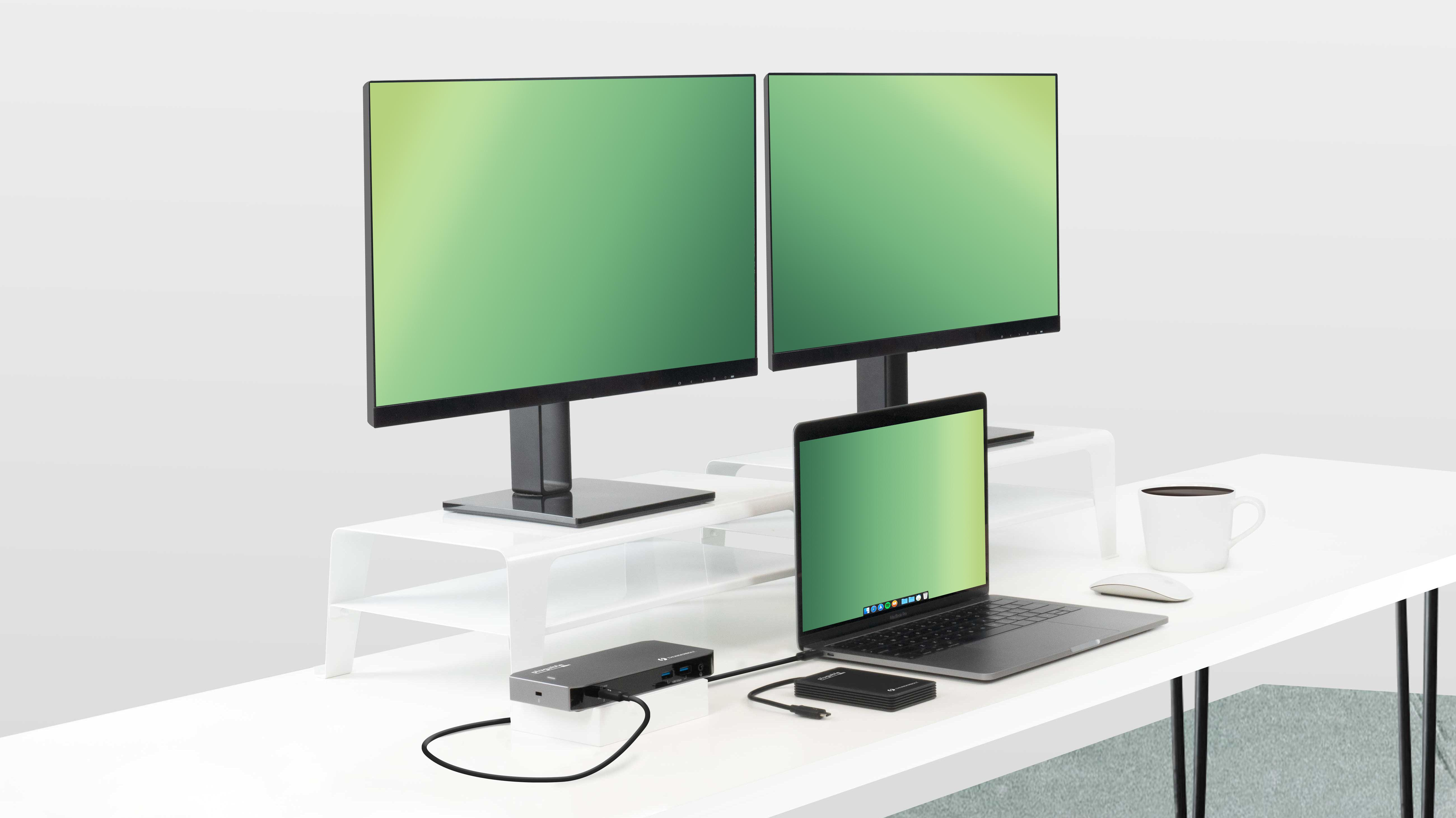 TBT3-UDC3 Docking station connected to laptop and two external monitors