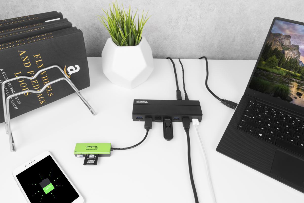 Lifestyle image of the USB3-HUB7C